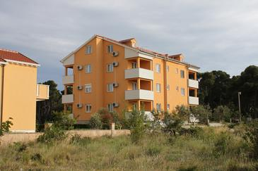 Biograd na Moru, Biograd, Property 6202 - Apartments and Rooms with sandy beach.