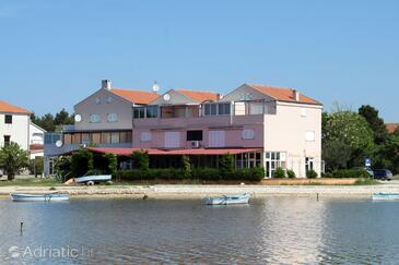 Privlaka, Zadar, Property 6207 - Apartments near sea with sandy beach.