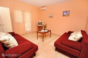 Rovanjska, Obývací pokoj v ubytování typu apartment, s klimatizací a WiFi.
