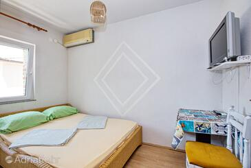 Biograd na Moru, Спальня в размещении типа room, доступный кондиционер, Домашние животные допускаются и WiFi.