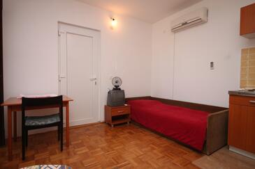 Tkon, Jadalnia w zakwaterowaniu typu studio-apartment, WIFI.