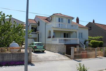 Tkon, Pašman, Property 6221 - Apartments by the sea.