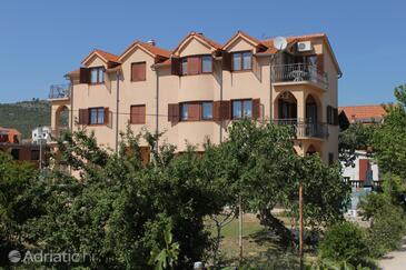 Tribunj, Vodice, Объект 6223 - Апартаменты с галечным пляжем.