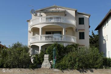 Pirovac, Šibenik, Alloggio 6224 - Appartamenti e camere vicino al mare con la spiaggia ghiaiosa.
