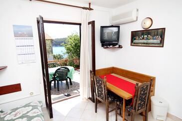 Brgulje, Dining room in the apartment, dostupna klima i WIFI.