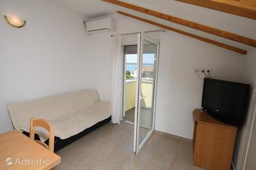 Ljubač, Living room in the apartment, air condition available and WiFi.