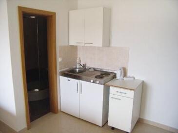 Ljubač, Kuchyně v ubytování typu studio-apartment, WiFi.