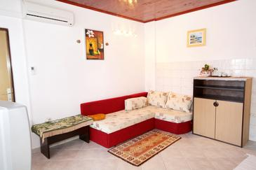 Brgulje, Living room in the apartment, dostupna klima i WIFI.