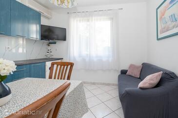 Tkon, Гостиная в размещении типа apartment, WiFi.