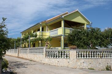 Kraj, Pašman, Property 6263 - Apartments near sea with sandy beach.