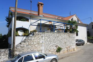 Funtana, Poreč, Property 6266 - Apartments with pebble beach.