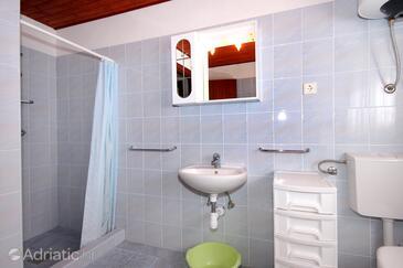 Bathroom 2   - A-627-e