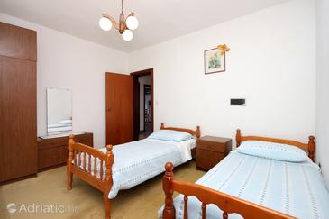 Bedroom 2   - A-627-e