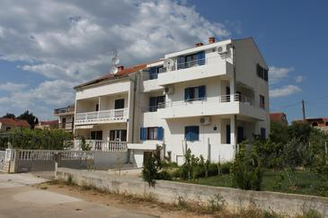 Biograd na Moru, Biograd, Property 6270 - Apartments with pebble beach.
