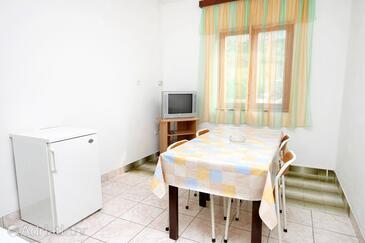 Metajna, Jídelna v ubytování typu apartment, WiFi.
