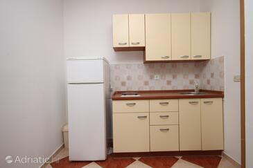 Povljana, Kitchen in the studio-apartment, dopusteni kucni ljubimci i WIFI.