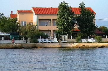 Privlaka, Zadar, Property 6300 - Apartments near sea with sandy beach.