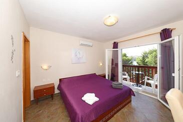 Stara Novalja, Sypialnia w zakwaterowaniu typu room, dostupna klima i WIFI.