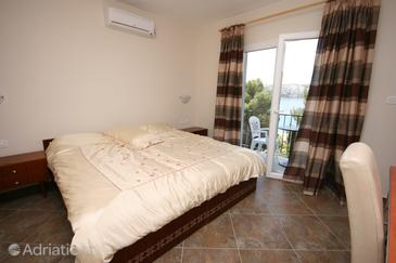 Stara Novalja, Bedroom in the room, dostupna klima i WIFI.