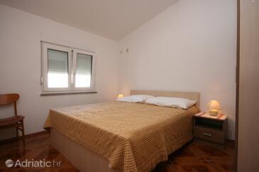 Pag, Spavaća soba u smještaju tipa room, dostupna klima i WiFi.