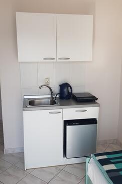 Stara Novalja, Kuhinja u smještaju tipa studio-apartment, WiFi.
