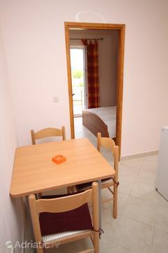 Bibinje, Dining room in the apartment, dopusteni kucni ljubimci.
