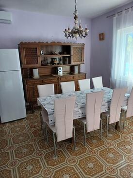Pag, Dining room in the apartment, dostupna klima i WIFI.