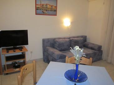 Vodice, Living room in the apartment, dostupna klima i WIFI.
