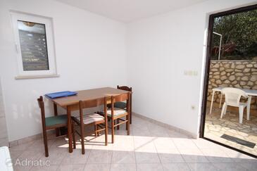 Kustići, Sala da pranzo nell'alloggi del tipo apartment, animali domestici ammessi e WiFi.