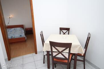 Metajna, Столовая в размещении типа apartment, WiFi.