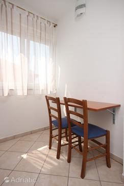Novalja, Dining room in the studio-apartment, dopusteni kucni ljubimci i WIFI.