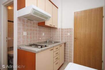 Zubovići, Kitchen in the studio-apartment, WIFI.
