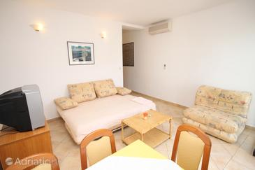Pag, Living room in the apartment, dostupna klima.