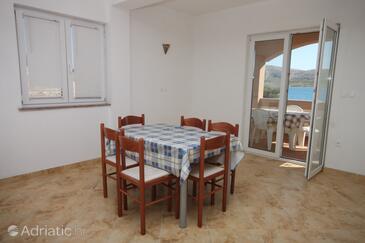 Kustići, Jídelna v ubytování typu apartment, domácí mazlíčci povoleni.