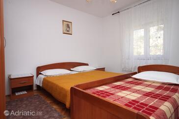 Metajna, Chambre dans l'hébergement en type room, climatisation disponible et WiFi.