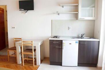 Metajna, Столовая в размещении типа studio-apartment, WiFi.