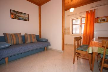 Pag, Jadalnia w zakwaterowaniu typu apartment, dostupna klima, dopusteni kucni ljubimci i WIFI.