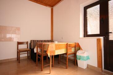 Pag, Jídelna v ubytování typu apartment, klimatizácia k dispozícii a WiFi.