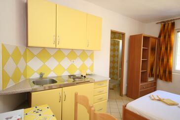 Pag, Kuchyně v ubytování typu studio-apartment, WiFi.