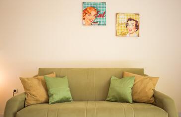 Living room    - A-639-b