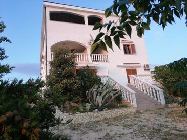 Kustići, Pag, Objekt 6392 - Ubytování s oblázkovou pláží.