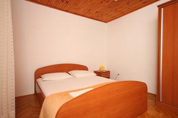 Metajna, Bedroom in the room.