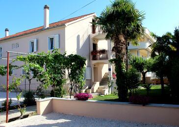 Sukošan, Zadar, Objekt 6402 - Ubytovanie blízko mora s kamienkovou plážou.