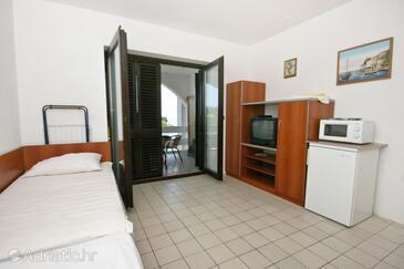 Potočnica, Sala de estar in the apartment, air condition available y WiFi.