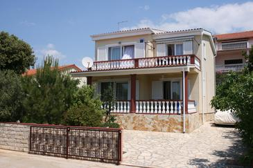 Mandre, Pag, Property 6416 - Apartments near sea with pebble beach.