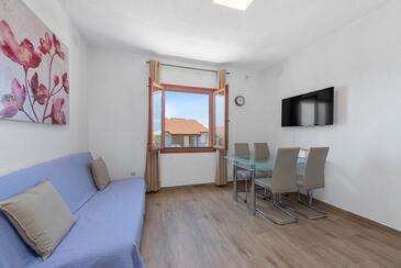 Mandre, Blagovaonica u smještaju tipa apartment, dostupna klima, kućni ljubimci dozvoljeni i WiFi.