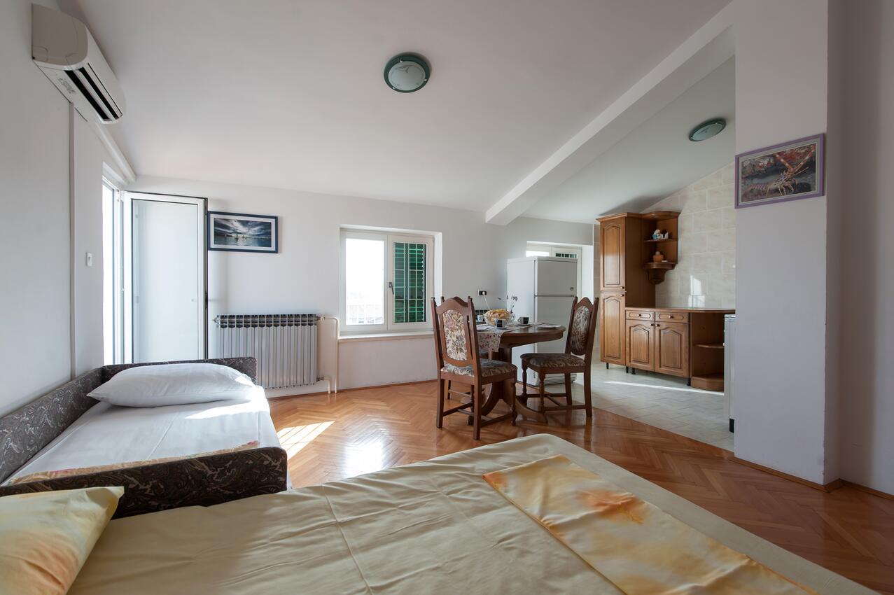 Ferienwohnung Studio Appartment im Ort Turanj (Biograd), Kapazität 2+1 (1582651), Turanj, , Dalmatien, Kroatien, Bild 5