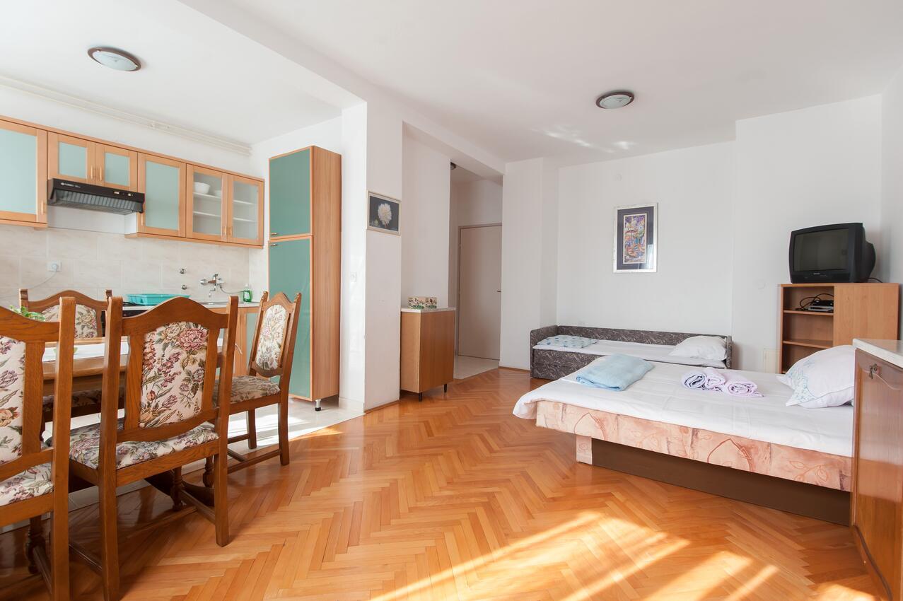 Ferienwohnung Studio Appartment im Ort Turanj (Biograd), Kapazität 2+1 (1582650), Turanj, , Dalmatien, Kroatien, Bild 6