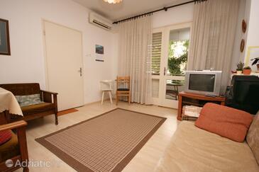 Biograd na Moru, Living room in the apartment, dostupna klima i WIFI.
