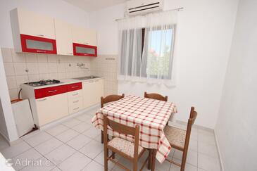 Vodice, Dining room in the apartment, air condition available and WiFi.